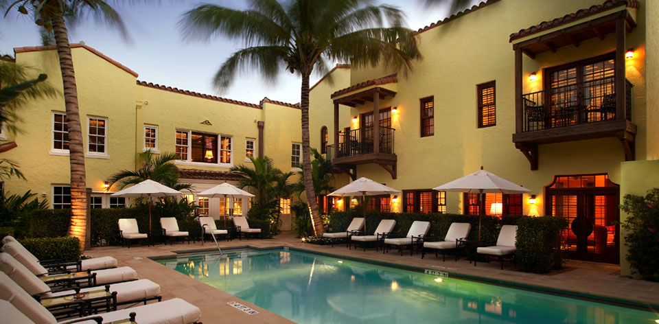 banner pool home